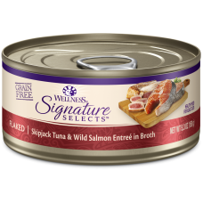 Wellness Cat Core Signature Selects Flaked Skipjack Tuna & Wild Salmon Entree in Broth 150g